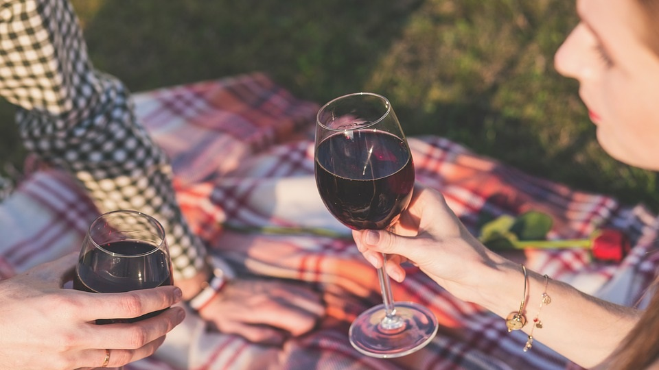 关于酒的这些传言 你知道真假吗?