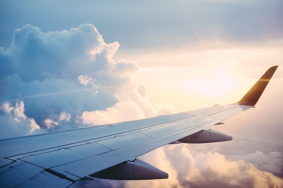 plane-841441_960_720 (1).jpg