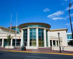 Lincoln Library(1221 E 7 Mile Rd)